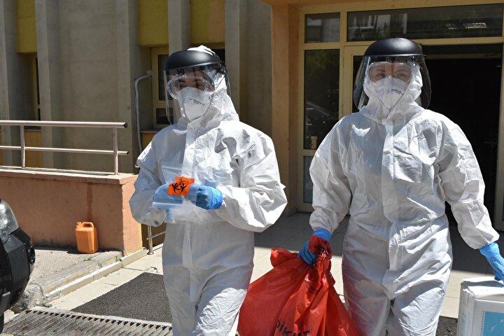 Dünya genelinde etkisini sürdüren Kovid-19 salgınının bazı etkinlikler vasıtasıyla başka kişilere de bulaşma riski taşıdığı vurgulandı.