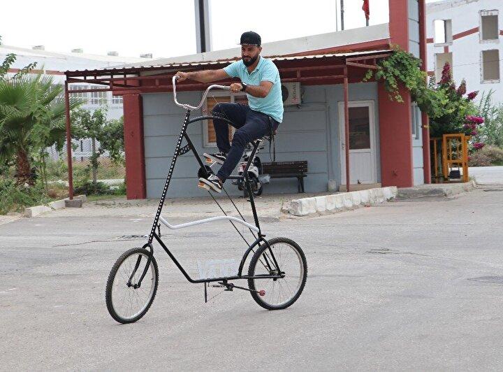 """Bisikleti sürmek için gelen Selim Ağaçdalı isimli vatandaş ise, """"Bisikleti görünce ilk başta köpek saldırıları için birebir gibi geliyor. Adana sıcak memleket ben sürdüm yukarısı daha fazla esiyor. Adanalıya imkansız de sonra izle. Gençlerimize ilham verilse aslında çok güzel şeyler yapıyor. Çıkması zor, inmesi zor. Çıkan kişi paraşütle mi ineceğim diye düşünüyor"""" ifadelerini kullandı."""
