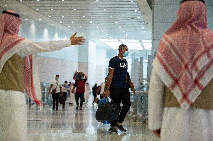 Suudi Arabistanda yaşayan yabancı hacı adaylarının hac ibadetini yerine getirmesine izin verileceği açıklanmıştı. Bu açıklamanın ardından aslen Azerbaycanlı olan ancak Suudi Arabistanda yaşayan Zilkin, hac ibadeti için Mekkeye geldi.