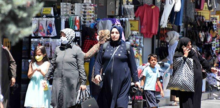 Vaka sayısının arttığı Konyada, maske ve sosyal mesafe unutuldu