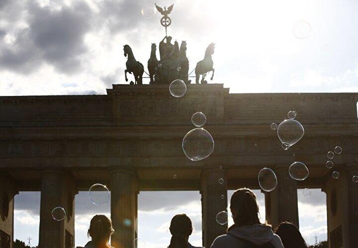 Almanyada bu sayı ise 208 bin 537 olarak tespit edildi.