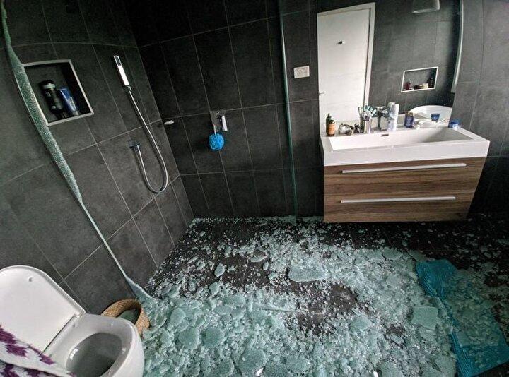 Banyo temizliği tam bitmişken duşa kabinin patlaması.