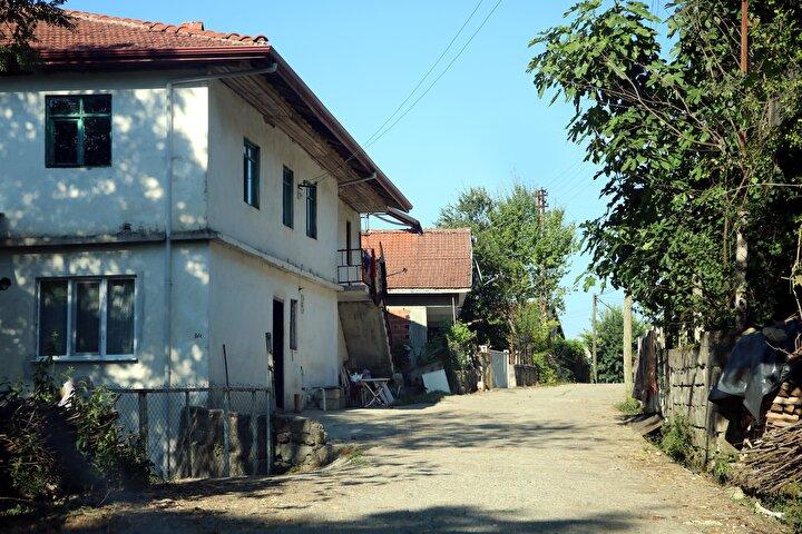 Bostancı, İstanbul, Ankara, Bursa ve Avrupa ülkelerinde yaşayan hemşehrilerine bu bayram köye gelmemelerini istedi.