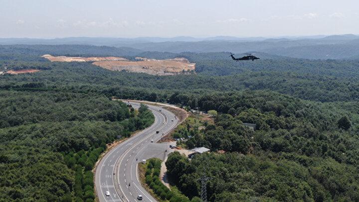 Şile otoyolunda yapılan denetim ve trafik yoğunluğu havadan da görüntülendi.
