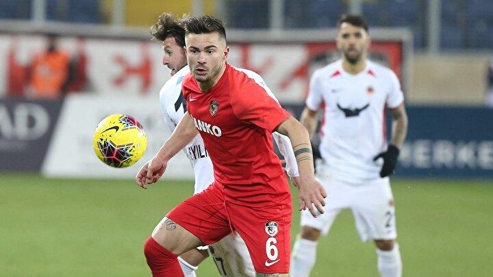Gabonlu stoper Appindangoye ve Rumen stoper Tosca, 3 bin 60şar dakika oynadı.