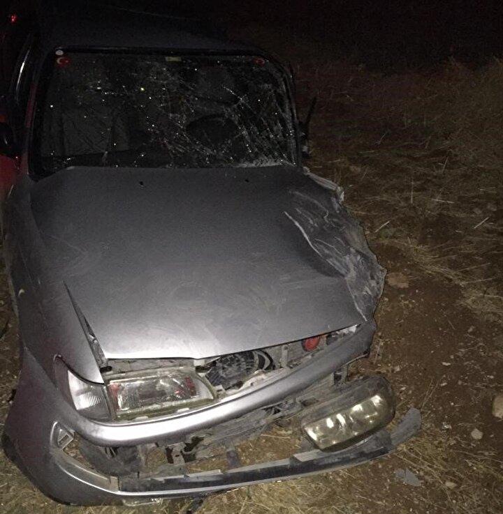 Mustafa Varılmaz yönetimindeki 44 NA 210 plakalı otomobil, karşı yönden gelen Kadir Tekinin kullandığı 53 AK 512 plakalı hafif ticari araç ile çarpıştı.