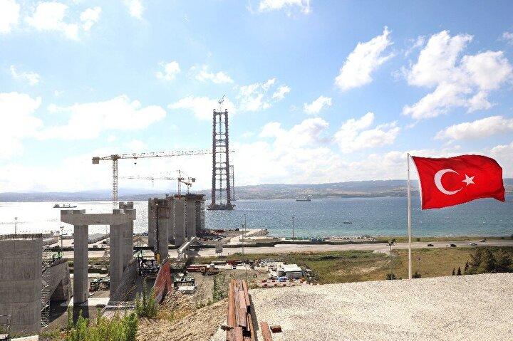 Köprüde Seyit Onbaşı tasviri yer alacak  18 Mart Çanakkale Deniz Zaferi'ni temsil eden köprü 32 bloktan oluşacak. Kulelerin en ucunda ise Çanakkale Savaşlarının unutulmaz kahramanı Seyit Onbaşı'nın sırtlayarak namluya sürdüğü top mermisi tasviri yer alacak.