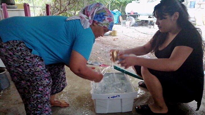 Gökbel Mahallesinin 5 dönemdir muhtarlığını yapan Mehmet Aslanpay, mahallede, 15 havuzlu villa olduğunu belirtip, Yaz aylarında bu villalardakilerin gelmesiyle su kullanımı artıyor. Dolayısıyla su sıkıntısı had safhalara çıkıyor. Köy olduğumuz dönemde, 30 tonun üzerinde kullanımlarda 5 kat daha fazla su parası alıyorduk.