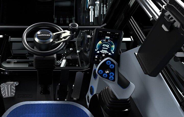 Aracın batarya kapasitesi 71.4 kWh iken çalışma voltajı 650 V. Neredeyse 8 tona kadar ağırlık kapasitesi bulunurken saatte yaptığı hız ise 30 km'yi buluyor.