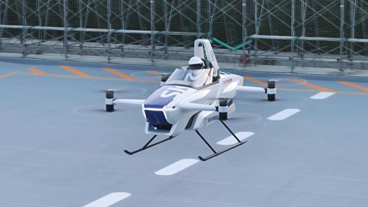 Uçan araba projesinin sahibi SkyDrive girişimine başkanlık eden Tomohiro Fukuzawa basına yaptığı açıklamada, uçan arabanın 2023 yılına kadar günlük hayatta kullanılacak bir ürün haline gelmesini umduğunu söyledi.