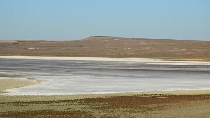 Konyanın Kulu ilçesinin 5 kilometre doğusunda ve Tuz Gölünün kuzey batısında yer alan, kuş cenneti olarak da bilinen Düden Gölü ve yakınındaki Küçük Göl kurudu.