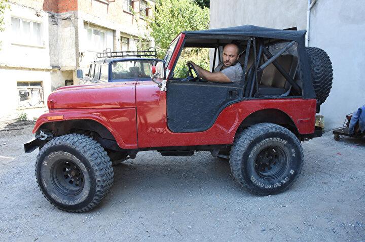 Yıllardır yatan ya da hor kullanılmış araçları yeniden kullanılır hale getirmenin kendisini mutlu ettiğini aktaran Kaptan, 1939 model arazi aracının modifiye ettiği en eski araç olduğunu kaydetti.