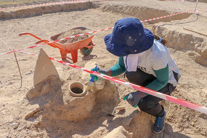 Kültür ve Turizm Bakanlığının izniyle yürütülen çalışmalarda, Urartuların sosyal yaşantısı, ölü gömme adetleri ve inançlarına ilişkin her yıl yeni veriler ortaya çıkarılıyor.