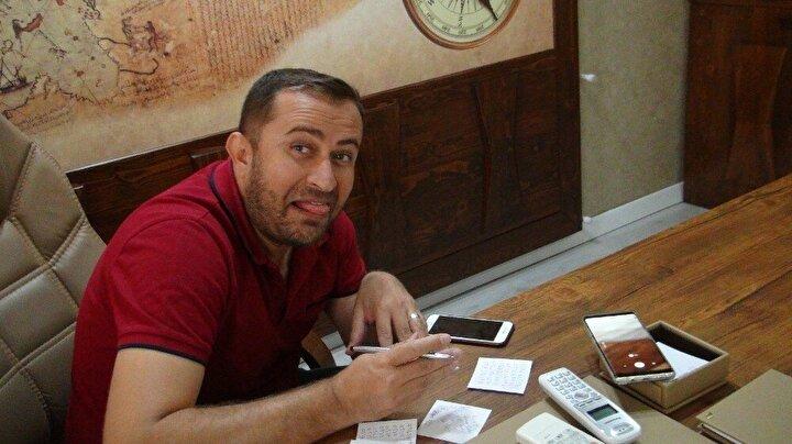Şüphelilerle telefon görüşmesini sürdüren Sedat Manav, kağıt alma bahanesiyle başka bir odaya geçerek cep telefonundan İhlas Haber Ajansı Muhabiri arkadaşı Arif Kaplanı arayarak durumu anlattı ve hemen iş yerine gelmesini istedi. Arif Kaplanın iş yerine gelmesinin ardından bir taraftan telefon trafiği devam ederken bir taraftan da şüphelileri yakalatmak için plan kurmaya başlandı.
