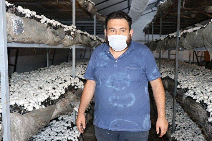 Paşaköy mevkiinde bulunan küçük bir alanda kültür mantarı yetiştirmeye çalışan Demiral, bilinçli olmadığı için istediği ürünü alamayınca Bolu Belediyesinin açtığı mantar yetiştiriciliği kursuna gitti.