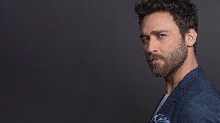 Son olarak ünlü oyuncu Seçkin Özdemir'in de Kuruluş Osman'ın kadrosuna katıldığı açıklandı. Özdemir, dizide sürpriz bir karaktere hayat verecek.