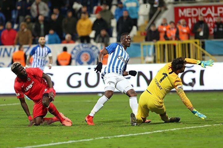 Mame Thiam: 12 gol, 5 asist