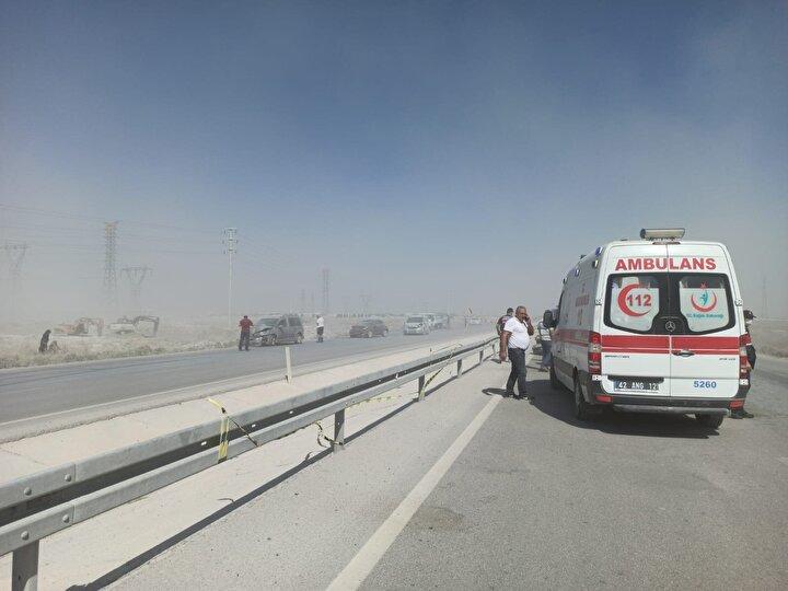 Yaralı 8 kişi ihbar üzerine bölgeye gelen sağlık görevlilerince yapılan ilk müdahalelerinin ardından hastanelere kaldırıldı.