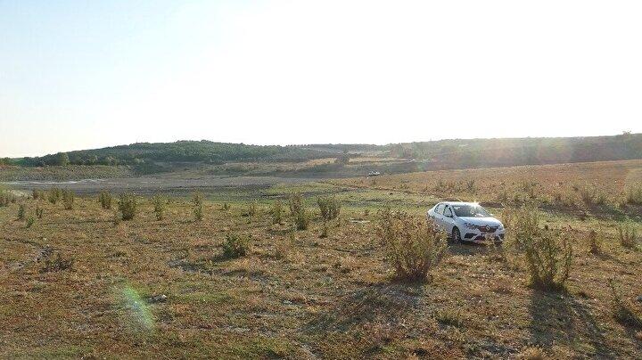 Barajın su ihtiyacını karşılayan derelerin suyla birlikte toprağı da taşıması, barajdaki mil seviyesini yükseltti.