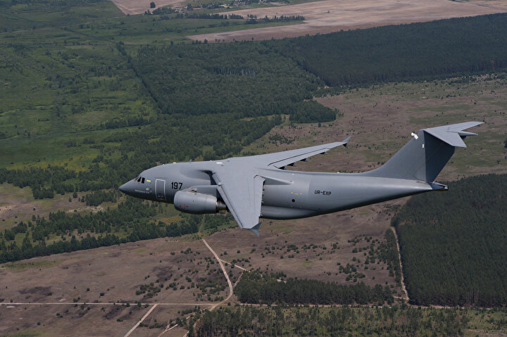 Los, Türk uçak endüstrisinin de bu ikame sürecinde yer alması gerektiğini kaydederek 2017den beri şahsen Türkiyedeki ekipman firmalarını ziyaret ediyorum ve Türk polisine ve ordusuna gidecek olan AN-178in özel parçalarının entegrasyonu için olanakları beraber değerlendiriyoruz. Bu nedenle Türk ekipmanı AN-178 için şarttır dedi.