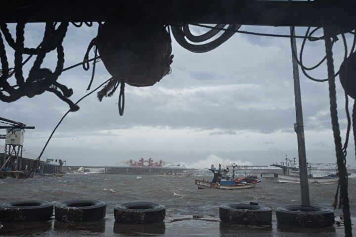 Japonyanın güneybatısını vuran Haişen tayfununda 2 ölü, 100den fazla yaralı
