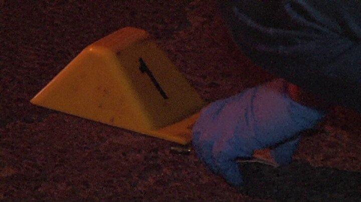 Saldırganlar ise otomobillerine binerek olay yerinden uzaklaştı.