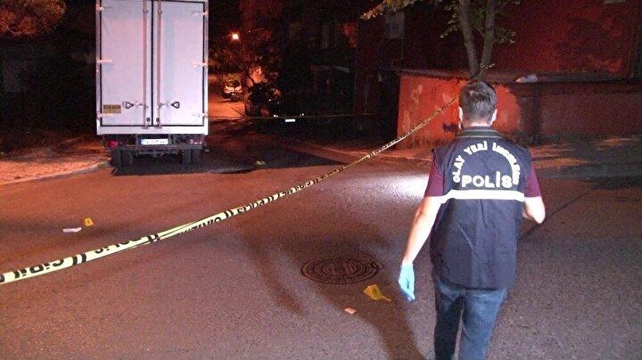 Sağlık ekipleri yaralıyı olay yerinde yaptıkları ilk müdahalenin ardından Sultanbeyli Devlet Hastanesine kaldırarak tedavi altına aldı.
