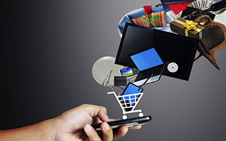 Kadınlar online alışverişte fark attı