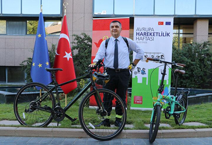 Emisyonunun azaldığı ve sıfırlanacağı daha sağlıklı bir toplum için hep beraber hareket edilmesi gerektiğini belirten Kaymakcı, Bisiklet bu hareketin en eğlenceli araçlarından birisi. Özellikle salgın döneminde de bisiklet kullanımı bana göre daha anlamlı ve yararlı hâle geldi. Benim herkesten beklentim, hareketli bir yaşam. Türkiyede bisiklet yolları her geçen gün artıyor. Bu anlamda çaba gösteren tüm belediyelerimize, valiliklerimize teşekkür ediyorum. Umarım Türkiyede bisiklet ve hareketlilik sevgisi artacaktır. Dünyamız giderek kirleniyor. Artık kirletmeyen, doğaya emisyon saçmayan araçları kullanmamız gerekecek. Bu anlamda da bisiklet, can kurtarıcı role sahip dedi.