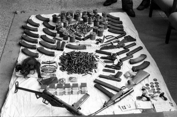 Sıkıyönetim komutanlığı operasyonlarda ele geçirilen silahlar hakkında açıklama yaptı.