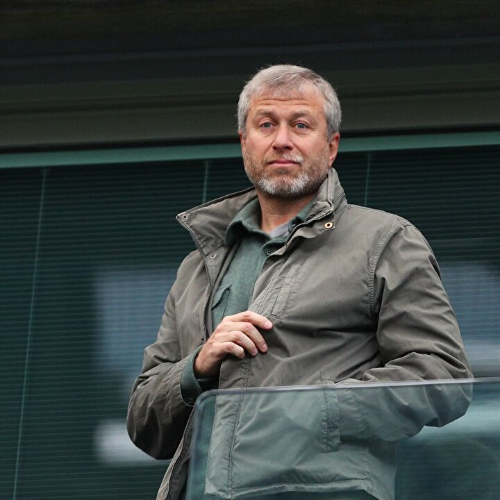 Chelseanin sahibi Roman Abramoviç
