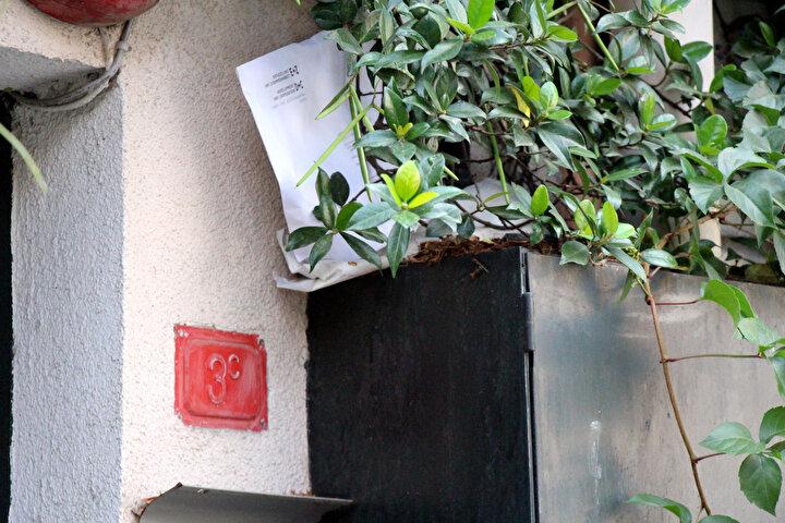 Bina sahibinin bir emlak firmasıyla anlaşmasının ardından Le Mesurier ve eşinin kaldığı binaya yeni kiracılar aranmaya başladı.  Ancak binayı ziyaret erden müşterilerin eski İngiliz İstihbarat Subayının burada hayatını kaybettiğini öğrenmesiyle binayı kiralamaktan vazgeçtikleri belirtildi.