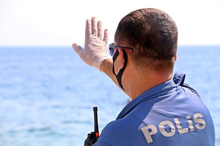 Sahilde kısa süreli panik oluşurken durum polis ve sağlık ekiplerine bildirildi.