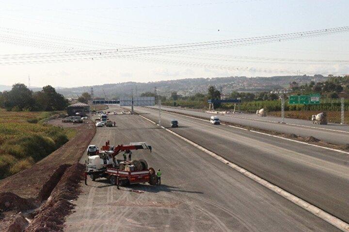 Avrupa yakasında Trakya Bölgesi'nin İstanbul'a ulaşımını sağlayarak Yavuz Sultan Selim Köprüsü ve bağlantı yolları yardımıyla şehir içi trafiğini rahatlatarak, 15 Temmuz Şehitler Köprüsü ile Fatih Sultan Mehmet Köprüsü üzerindeki trafik yoğunluğunu azaltması hedeflenen projeyle Anadolu'nun İstanbul'a ulaşımını sağlayan Sakarya ve Kocaeli'deki yoğunluğun da azaltılması bekleniyor. Toplam maliyeti 13.6 milyar TL olan projede ayrıca peyzaj çalışmaları ile toplam 1 milyon 160 bin bitki dikimi de gerçekleştirilecek.