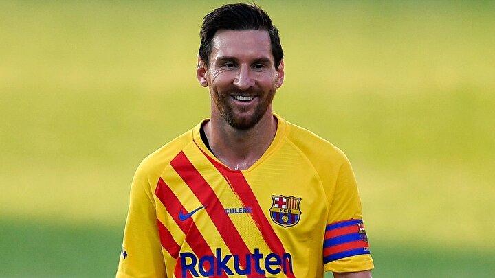 Forbes dergisinin maaş, sponsor gelirleri ve bonusları hesaba katarak hazırladığı listede, Barcelonanın Arjantinli yıldızı Messi, 126 milyon dolarla 2020 yılının en fazla kazanan futbolcusu oldu. İşte sıralamaya göre dünyanın en çok kazanan oyuncuları;