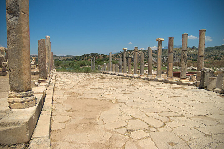 Günümüzde Antalya il sınırları içerisinde kalan bu eşsiz antik kente dair her şeyi sıralıyoruz.