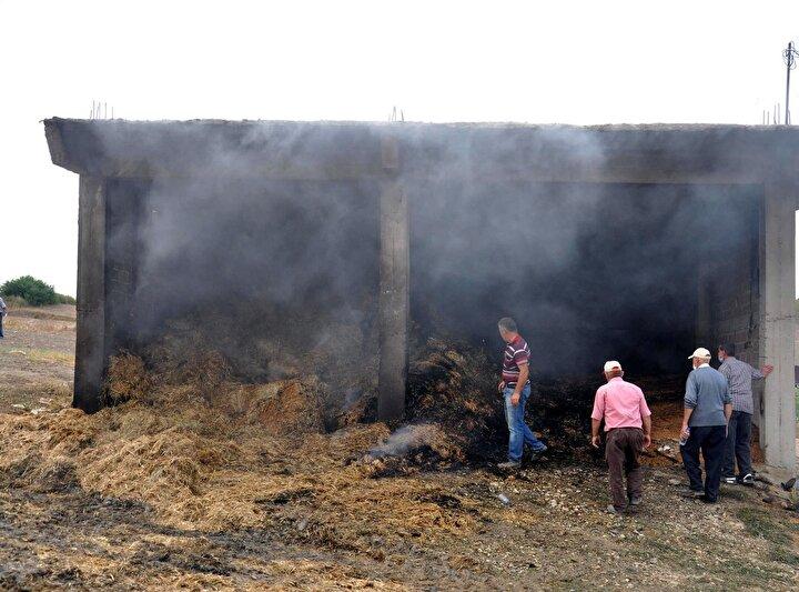 Malkaranın kırsal Hacısungur Mahallesinde çiftçilik yapan Şaban Elmasın evinin karşısındaki ambarda henüz belirlenemeyen nedenle yangın çıktı.