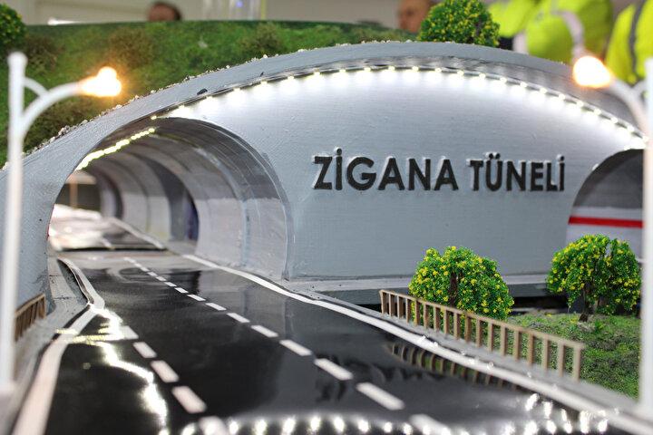 """Gümüşhane ve Trabzon arasındaki mesafenin 45 dakikaya ineceğini söyleyen Şerafettin Alemdar ise Tünelin yapılması çok iyi olacak, 1 buçuk saatte gittiğimiz Trabzon'a 45 dakikada gidebileceğiz. Canımız istediği zaman gidip gelebiliriz, çok iyi olur. 4 gözle açılmasını bekliyoruz. Kış aylarında Zigana yolunda çok zorlanıyoruz, tünel açıldığı zaman hiçbir zorluk çekmeyeceğiz"""" diye konuştu."""