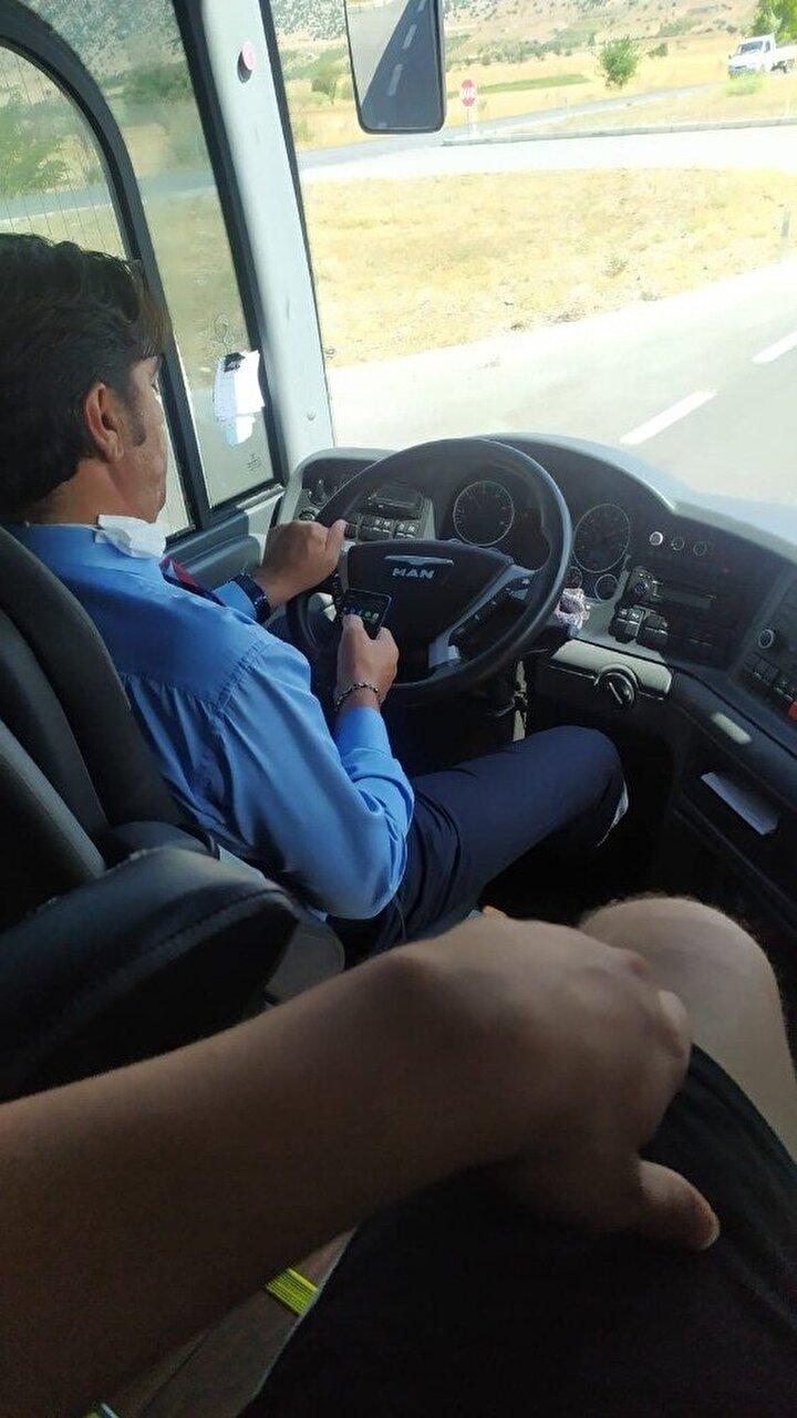 Enes Külahlı, Antalya otogarında firma tarafından hakkında şikayet olduğu söylenen şoförle tartıştıklarını ve başka bir otobüsle Manavgata döndüklerini kaydetti.