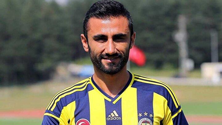 Geçtiğimiz günlerde futbolu bıraktığını açıklayan Selçuk Şahinin sarı-lacivertlilerde, Emre Belözoğlunun yardımcısı olacağı iddia edilmişti.