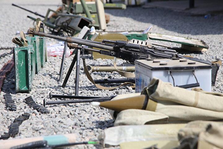 Görüntülenenler arasında Ermenistan ordusuna ait bazı belgeler de yer alıyor.