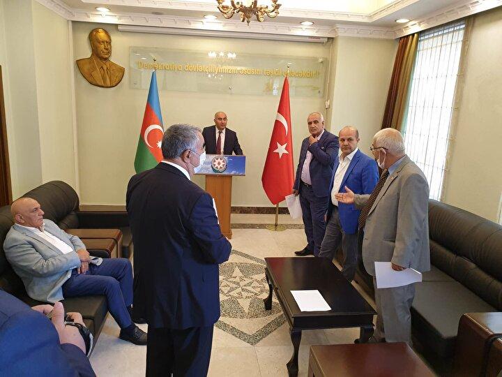 Savaşta gönüllü olduklarını belirten Iğdır-Azerbaycan Dil, Tarih ve Kültür Birliğini Yaşatma ve Destekleme Derneği Başkanı Ziya Zakir Acar, tek millet iki devlet mesajı verdi.