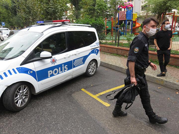 Kadıköyde kuyumcu soygunu girişimi... Saklandığı binada yakalandı, darp edilmesini polis önledi
