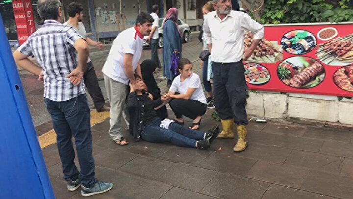 Olay, saat 11.30 sıralarında Bahçelievler Şirinevler Mahallesinde meydana geldi. İddiaya göre, sokakta kahvehaneyi işleten C.Ç., dün akşam bir kişi ile kavga etti.