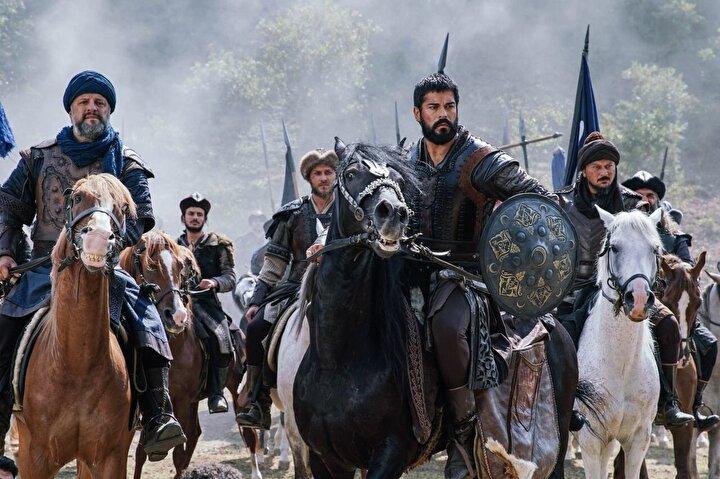 'Kuruluş Osman'ın büyük bir heyecanla takip edilen sezon açılışında; Osman Bey, obaya yapılan baskının intikamını İnegöl Tekfuru'ndan savaş meydanında aldı.