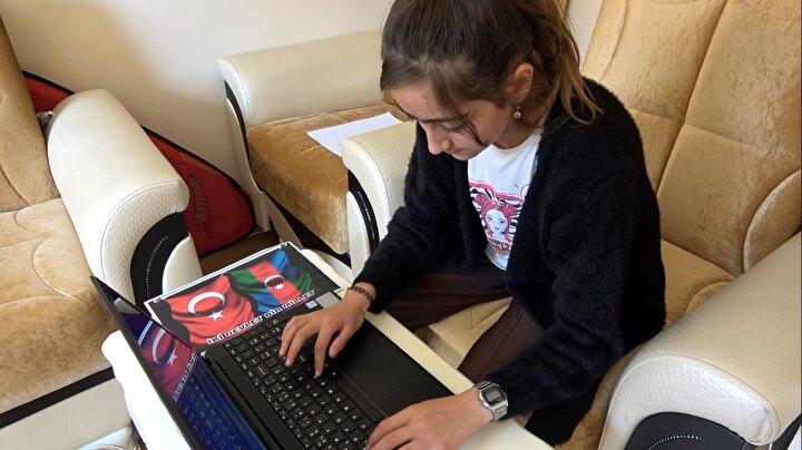 İsranur, bu sürpriz karşısında büyük mutluluk yaşadı. Zahid Nesir ile görüntülü konuşan İsranur, kumbarasındaki 36 lirasını destek için Azerbaycan ordusuna bağışladığını belirtirken, kendisine Türk-Azerbaycan Bayrağı, mektup ve laptop gönderen Zahid Nesir'e teşekkür etti.