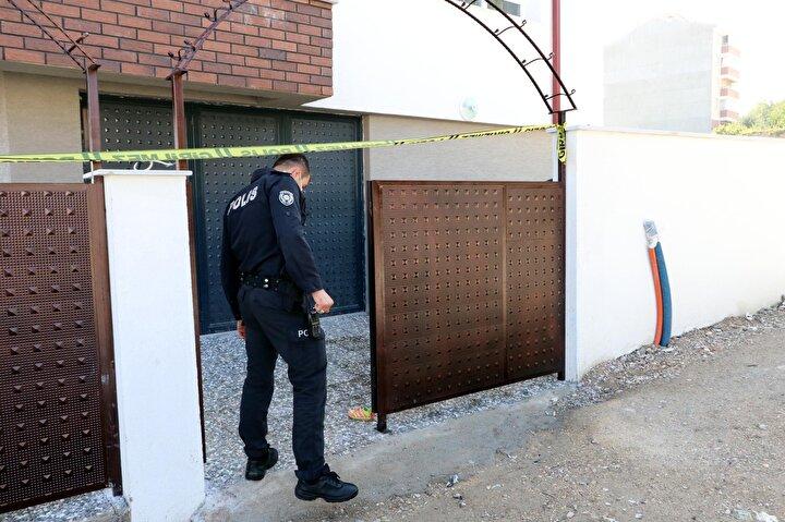 Polis, olayla ilgili soruşturma başlattı.