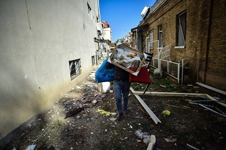 Gence'de sivil yerleşim yerine yapılan saldırı sonucu 10 Azerbaycan vatandaşı hayatını kaybetmiş, 39 kişi de yaralanmıştı.