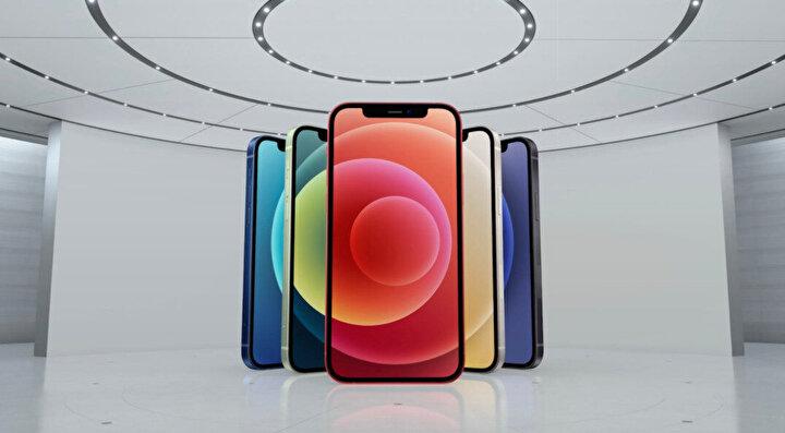 İPhone 12, iPhone 11in 2 katı piksele sahip 6,1 inç Süper Retina XDR OLED ekrana sahip.