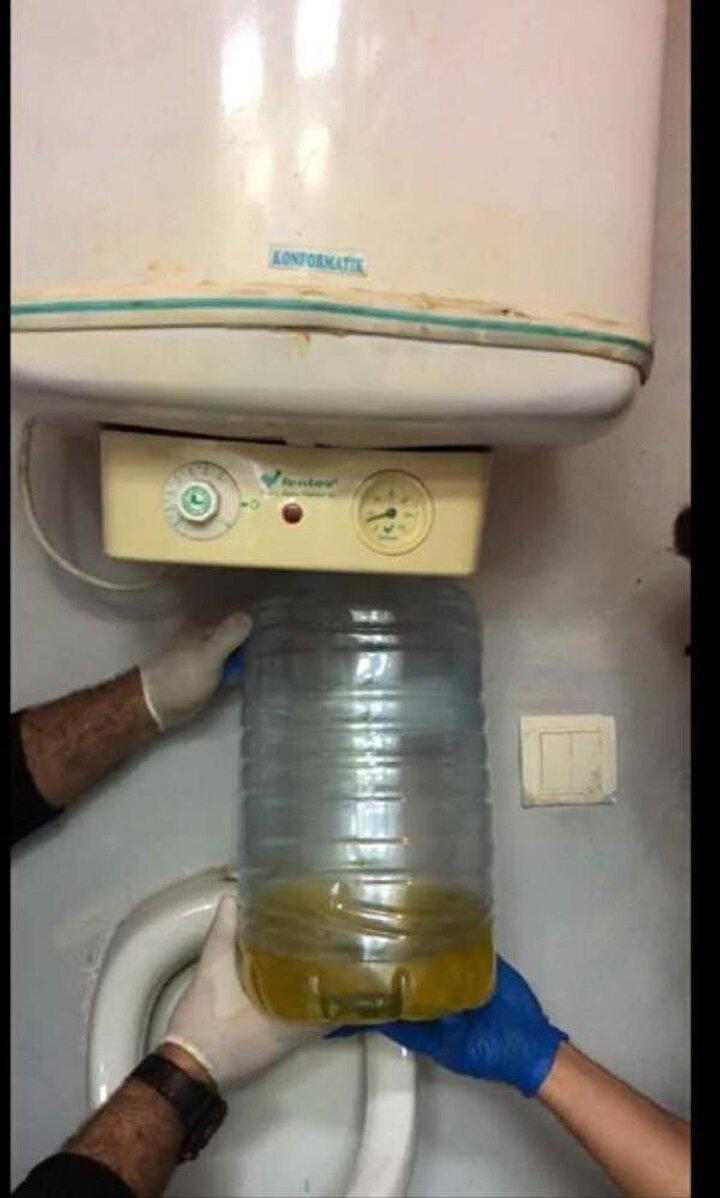 Bir imalathanede yapılan aramada ise, elektrikli termosifonun su doldurulan haznesinde kaçak içki bulundu.